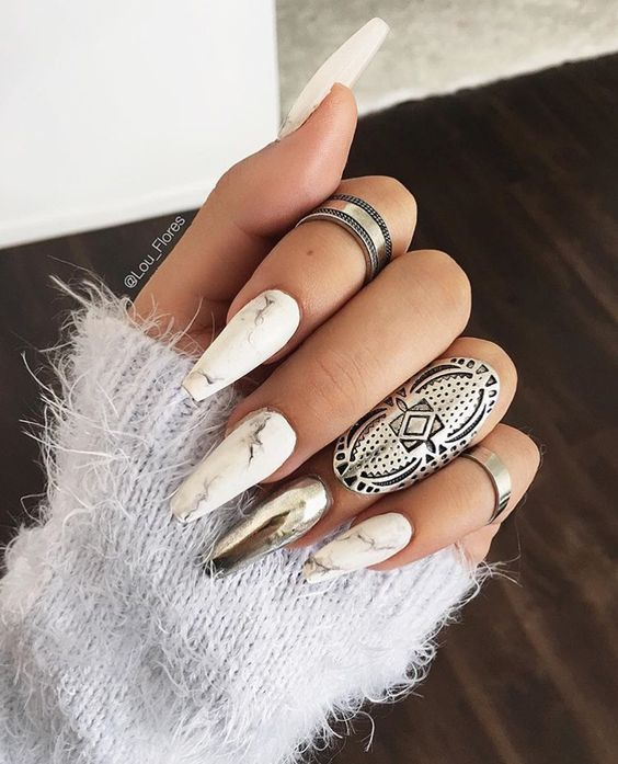 Marble nails by Lou Flores (source: @lou_flores instagram)