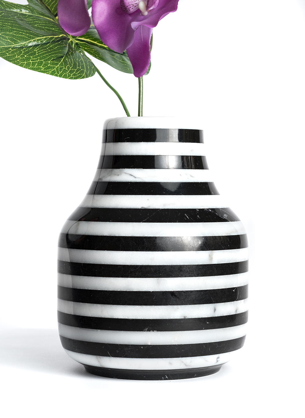 LOOS vase in white Carrara marble and Black Marquina marble by Giorgio Gaudio