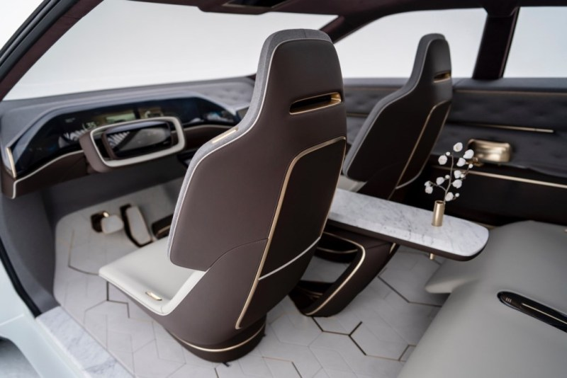Infiniti QX Inspiration Concept with center console in Carrara Marble
