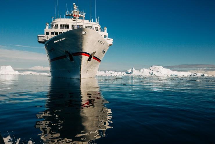 MS Bremen in der Antarktis
