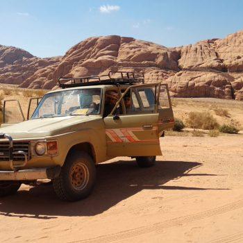 Geländewagen im Wadi Rum
