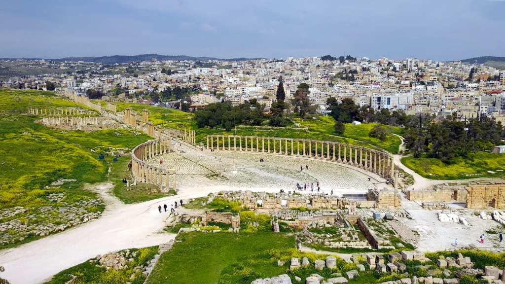Blick auf die Ruinen in Jerash