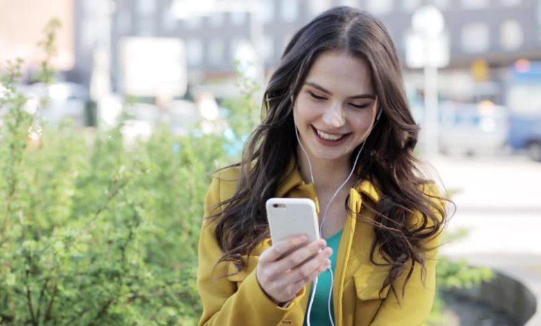 الهواتف الذكيه الأنسب للفتيات