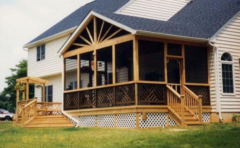 Large landscaping deck