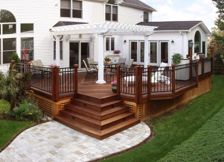 Stunning Multi-Purpose Front Deck