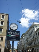 clock near Duomo,vinneve photo