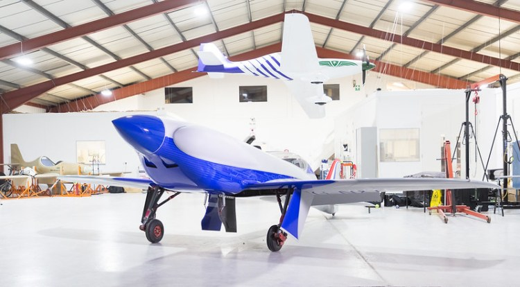Rolls-Royce unveils all-electric plane targeting the record books-4
