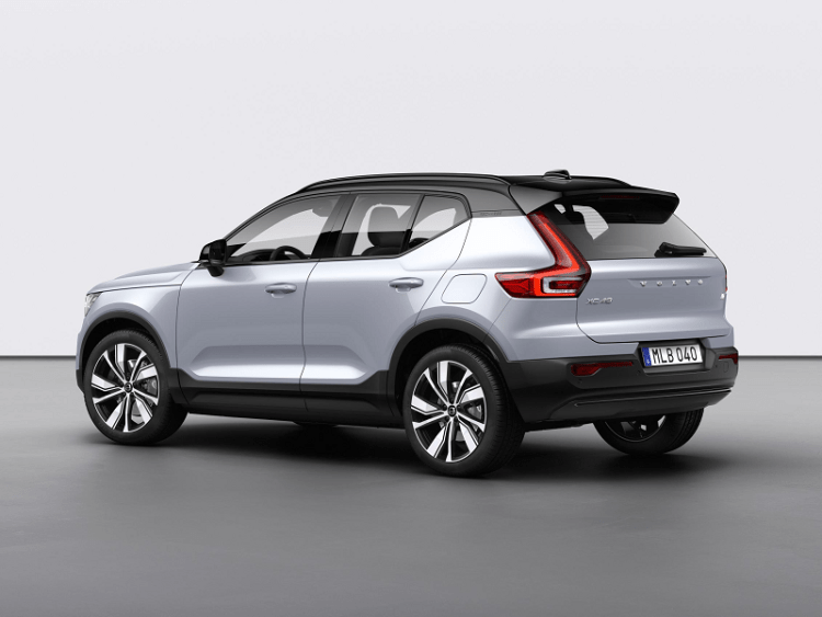 Volvo XC40 Recharge P8 AWD in Glacier Silver-4