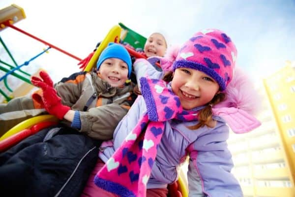 kids playing outside and building resilience