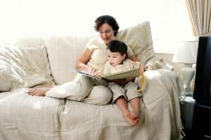 Reading to your child is much better than letting a tablet read to him.