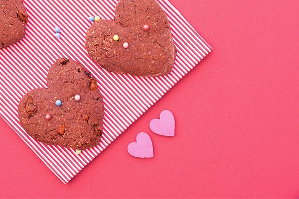 Valentines-day-cookies-made-by-kids