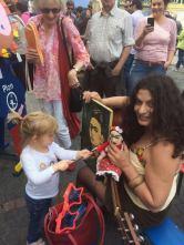 little girl paints a la Frida Khalo, Bonn Fest der Kulturen, May 2017