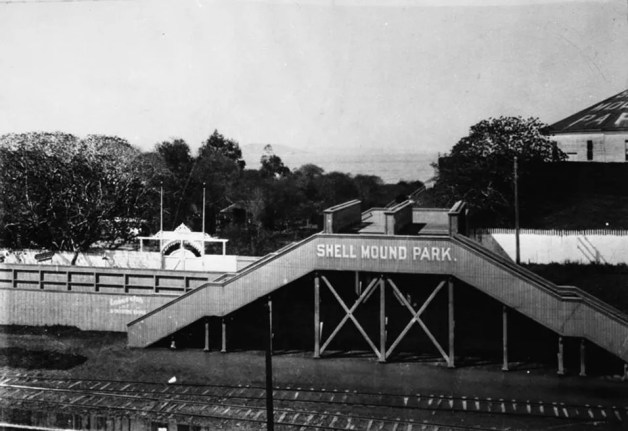 Emeryville_Shellmound_Park_entrance-1