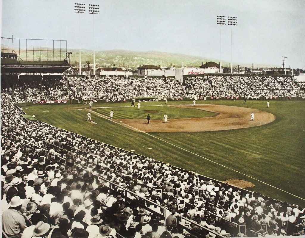 Pacific Coast League Baseball in Emeryville: The History of the Oakland Oaks Ballpark