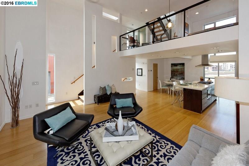 4260 Halleck Street Living