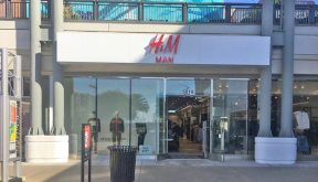 e85d6a817 Bay Street Updates: H&M Men's Store Opens; Fossil, Aerosoles and Bebe Close;