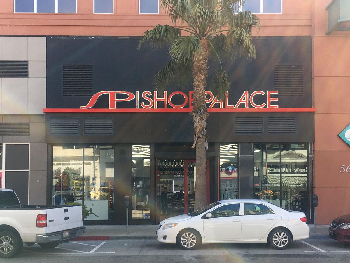 Bay Street Updates  Shoe Palace   Timbuk2 Open, T-Mobile   WHBM Close,  Xfinity Coming Soon - The E ville Eye Community News 79db8fa8b80