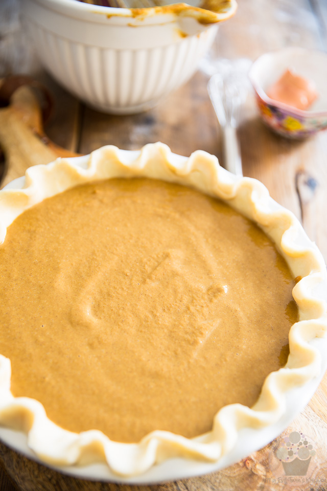 Spiced Pumpkin Pie by My Evil Twin's Kitchen | Recipe and step-by-step instruction on eviltwin.kitchen