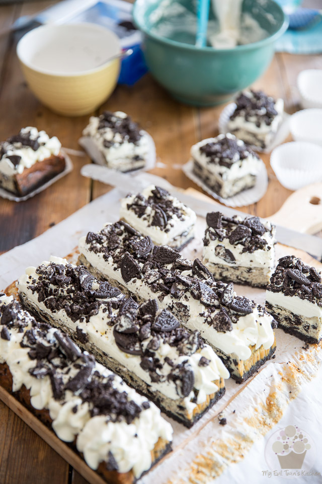 Cookies and Cream Cheesecake Bars - Recipe and Step-by-Step Tutorial on eviltwin.kitchen