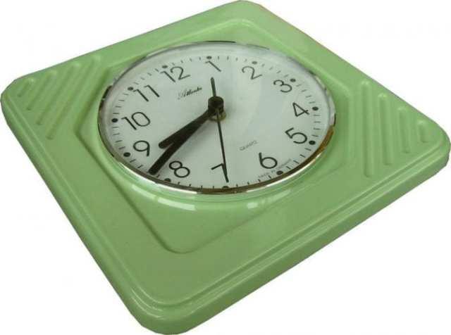 Küchenuhr viereckig Pudding-Grün glänzend Funkuhr | Evit ...