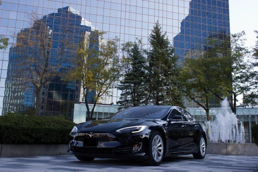 2.Tesla Limousine Toronto