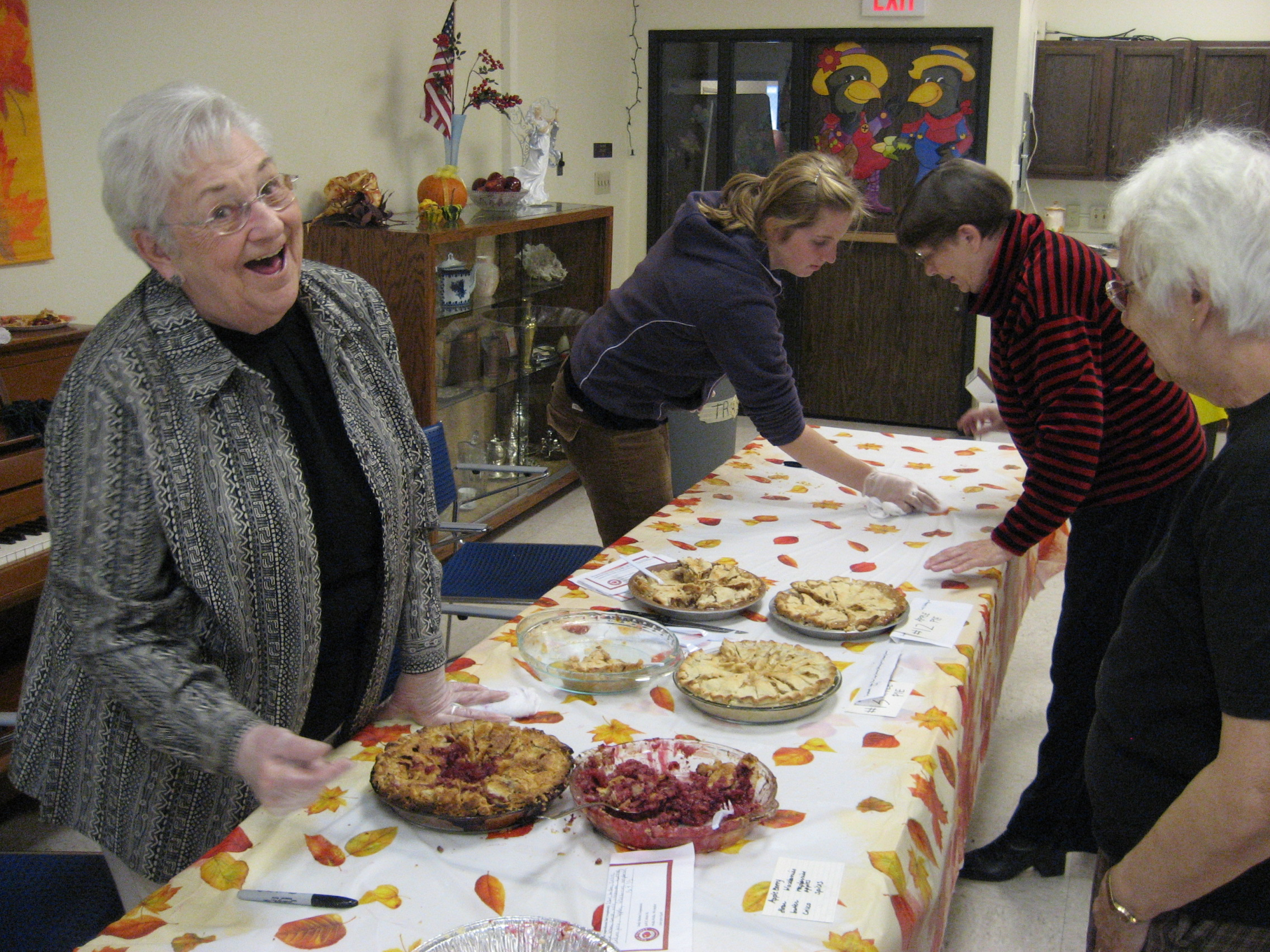 pie contest volunteers