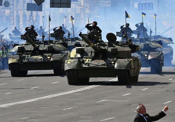 Украинские танки замечены въезжающими в Луганщину