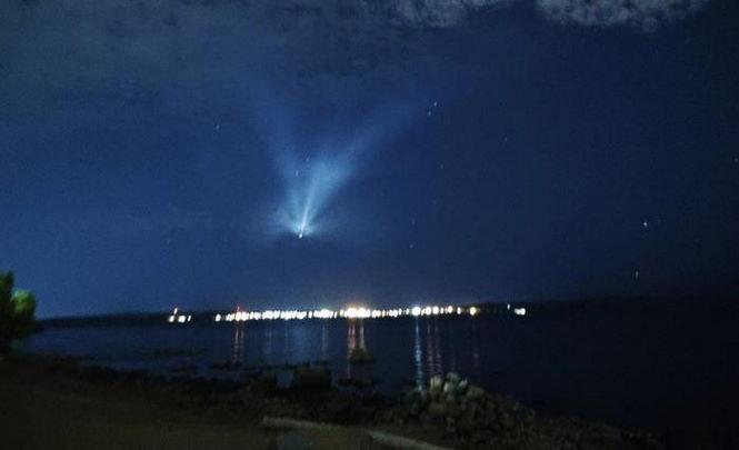 Жители Петрозаводска заметили в небе странный объект