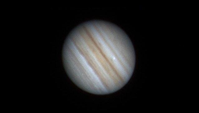 Еще один загадочный объект только что рухнул на Юпитер