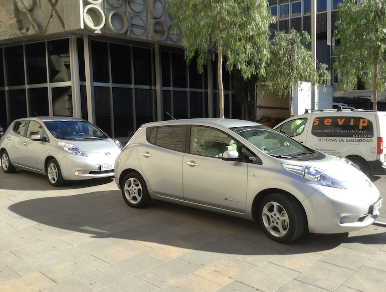 Nissan Leafs in Barcelona, Spain.(This image is available for republishing and even modification under a CC BY-SA license, with the key requirement being that credit be given to Zachary Shahan / EV Obsession/ CleanTechnica, and that those links not be removed.)