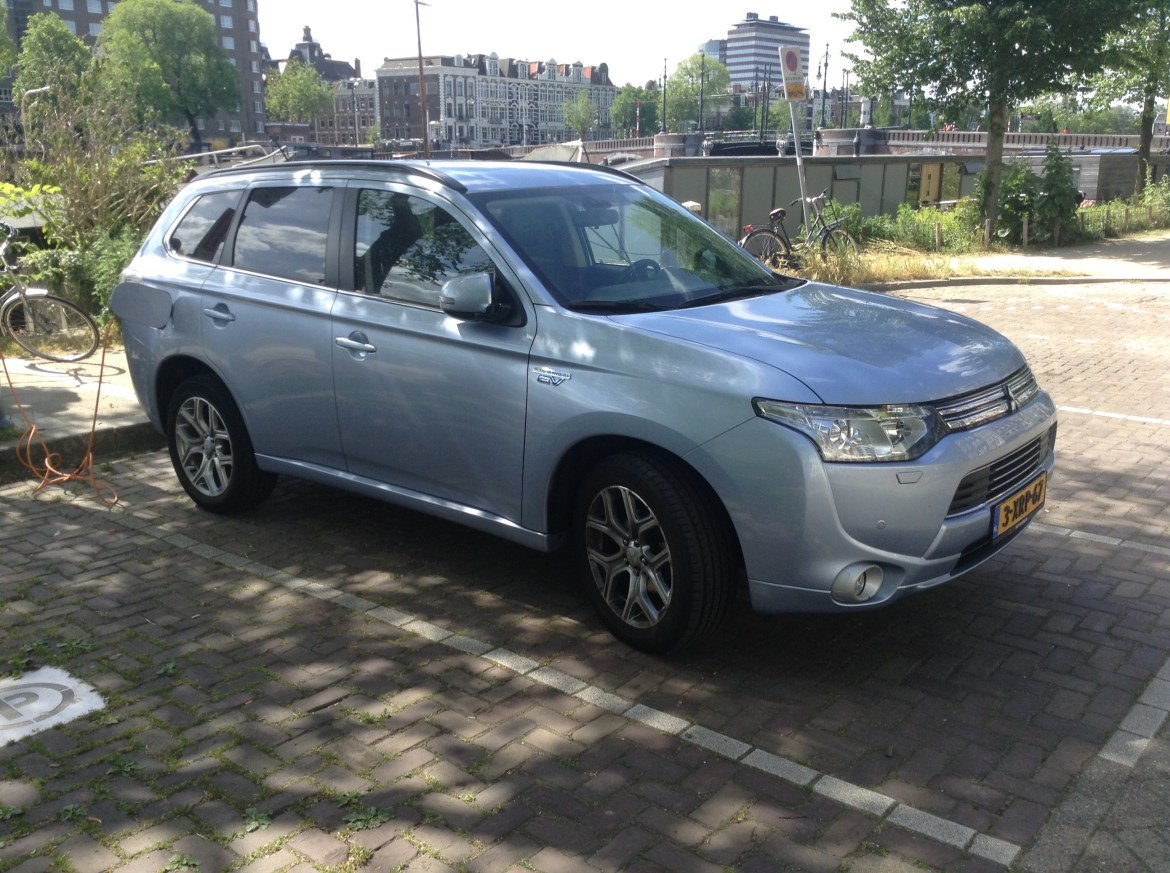 Mitsubishi Outlander Plug In Netherlands 11