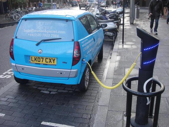 electric-vehicle-recharging-london