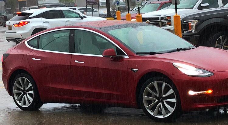 Tesla Model 3 Smart Summon