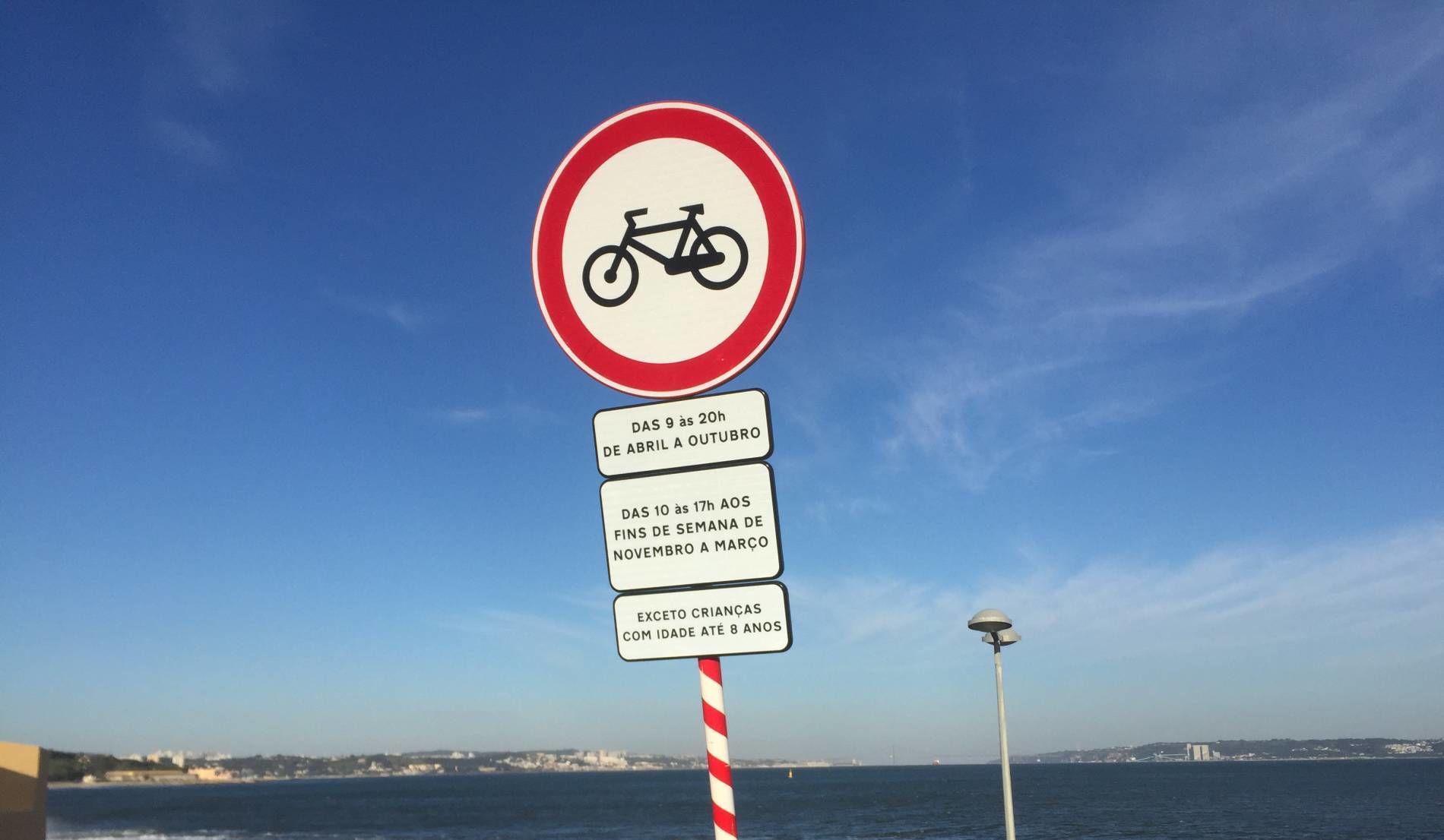 Em Oeiras, há demasiados sinais destes...