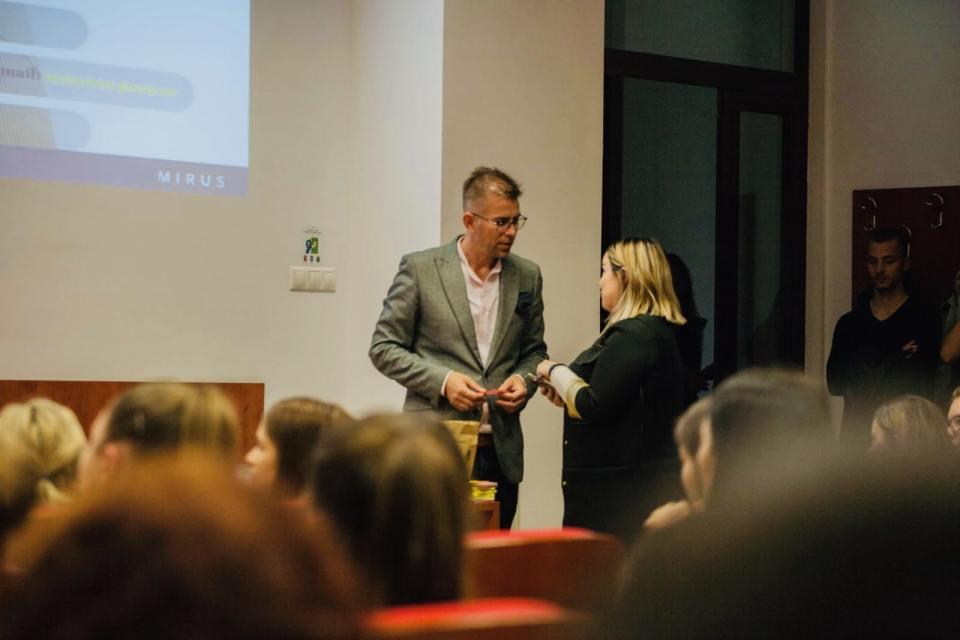 recrutare, strategii de recrutare, interviu