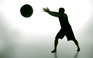 Christian Med ball - Christian Mejia, medicine ball - Evolve All, martial arts training