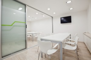 Fotolia 35692528 S - Modern office