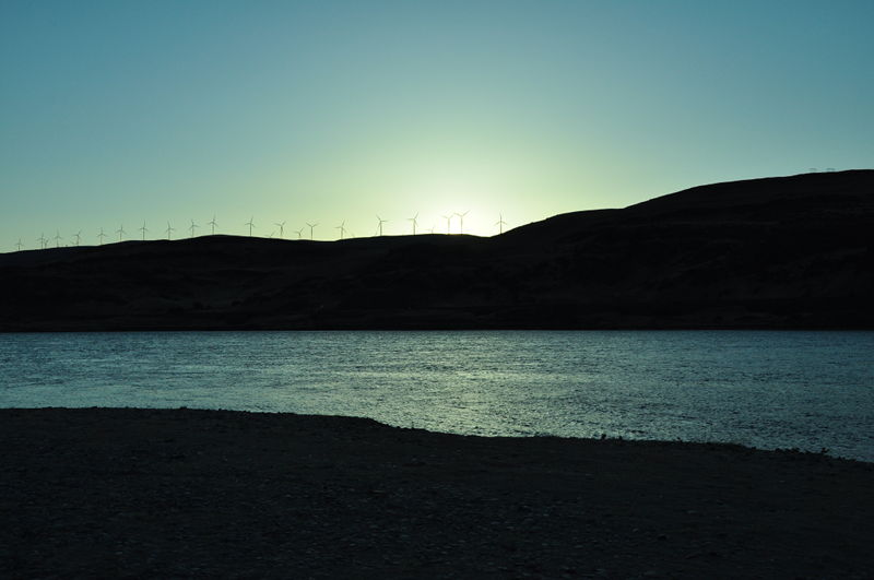 Sunset from Rufus Landing while boondocking on Columbia River while living in the RV full time.