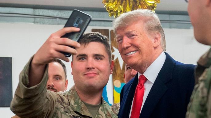 trump_iraq_selfie