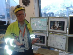Банките пак са по-секси от реалния сектор, смята Вигнир Йорн Сигборссон, технолог в геотермалната централа Hellisheiði Фото: П. Антонов