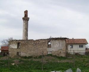 Фото: Старата джамия в Долни Цибър е в руини. Фото: grandmufti.bg