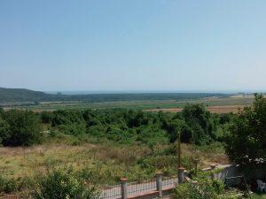 Много чужденци купуват имоти в Рогачево заради панорамата към морето.