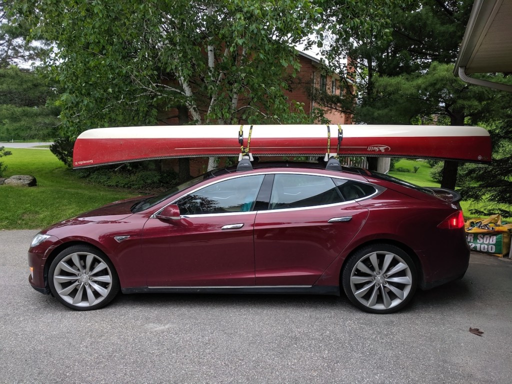Keith Beckley's electric car with canoe
