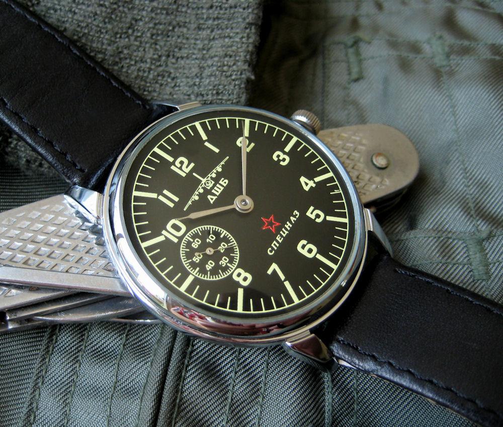 стар руски механичен часовник