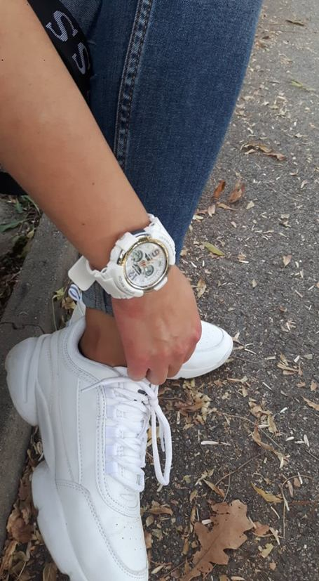 евтин дамски часовник със силиконова каишка