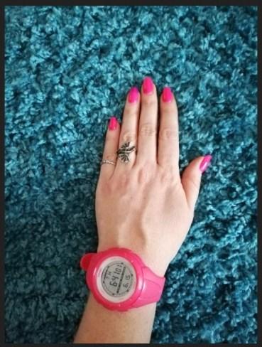 спортен дамски часовник със силиконова каишка