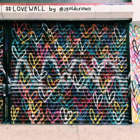Love Wall Street Art Los Angeles