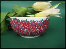 miseczka w czerwone kwiaty malowana ręcznie