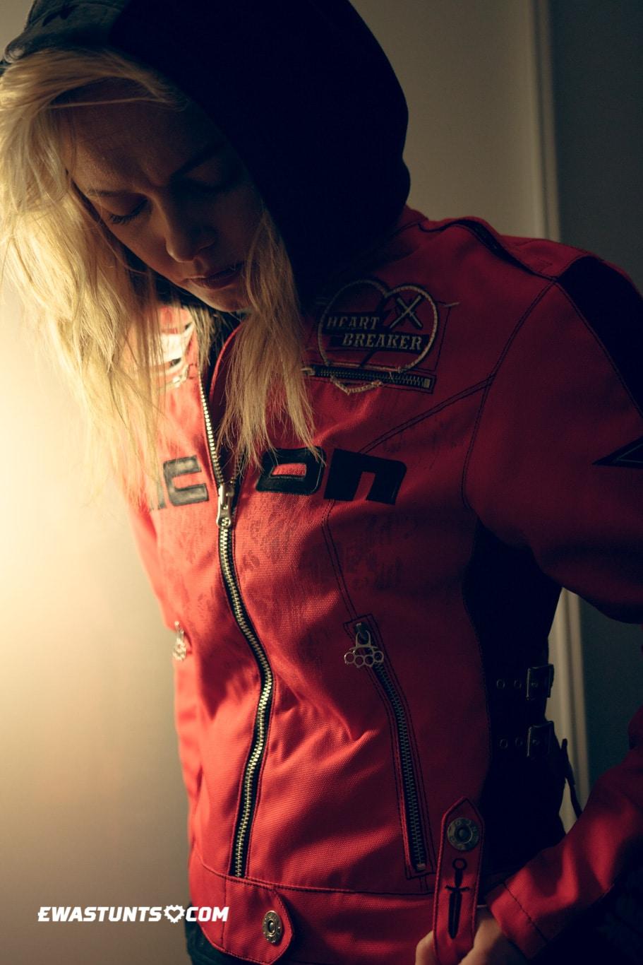 ewastunts_icon_jacket-26