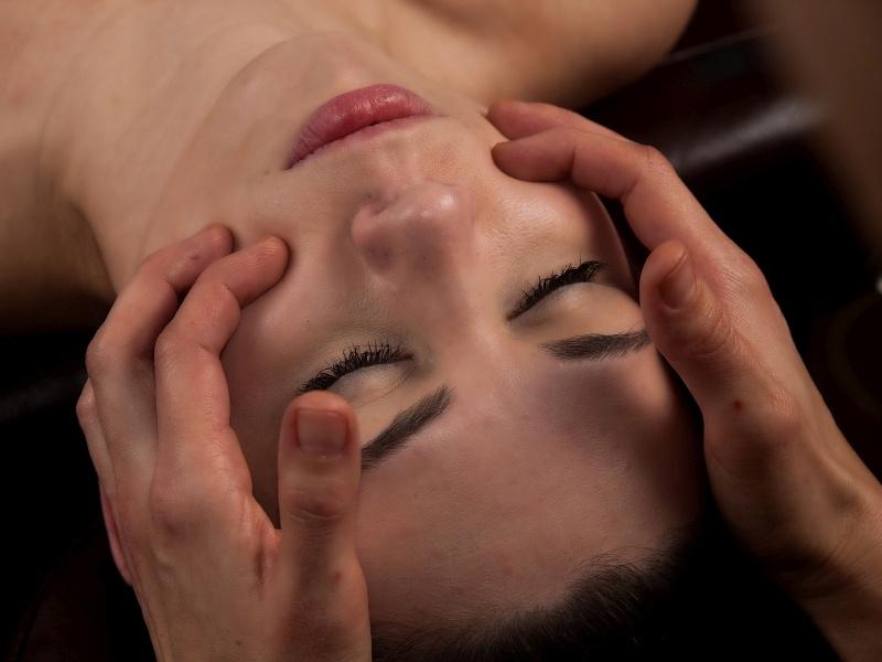 Mukhabhyanga masaż ajurwedyjski twarzy - masaż Bieszczady